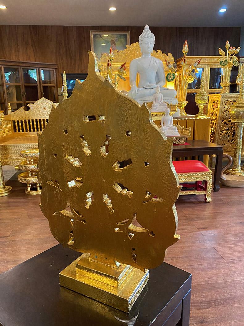 ใบโพธิ์ไม้แกะ สลักลงรักปิดทอง สำหรับตกแต่งห้องพระ และโต๊ะหมู่บูชาพระ